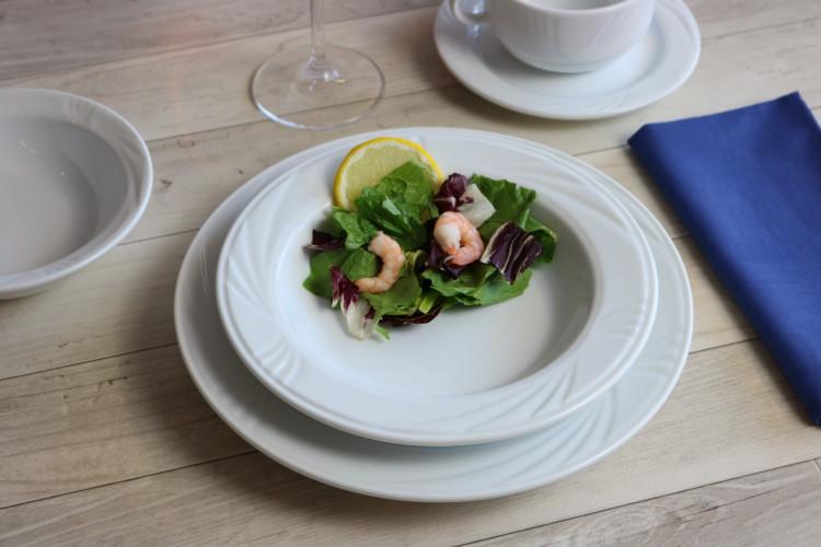 Preiswerte Teller für die Gastronomie von Holst Porzellan